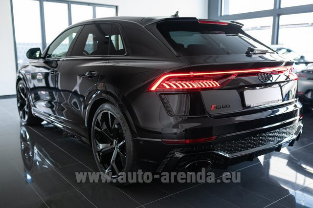 Rental Audi RS Q8 in Linz
