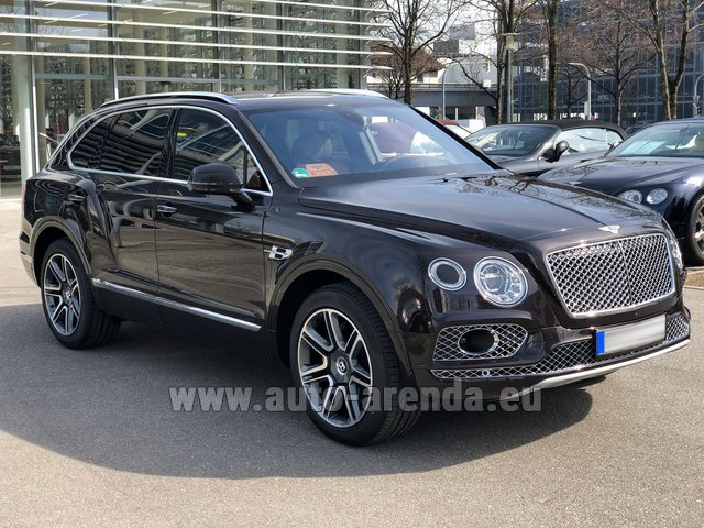 Rental Bentley Bentayga V8 4Li in Graz