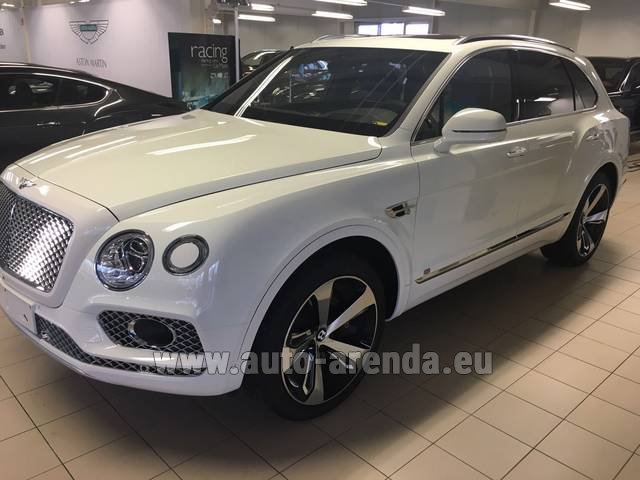 Rental Bentley Bentayga W12 NAIM 22 Rear-Enterteiment in Vienna