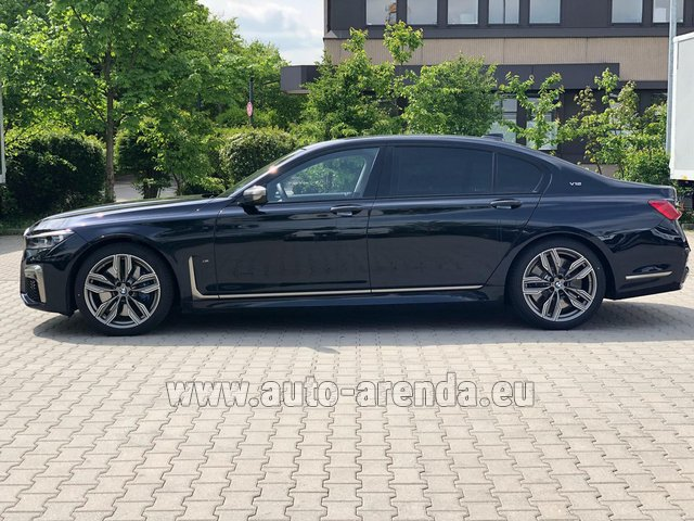 Rental BMW M760Li xDrive V12 in Linz