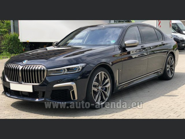 Transfer from Flachau to Munich by BMW M760Li xDrive V12 car