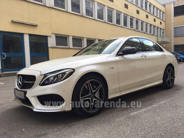Rental Mercedes-Benz C-Class C43 AMG Biturbo 4MATIC White in Innsbruck