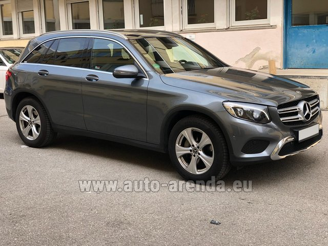 Rental Mercedes-Benz GLC 220d 4MATIC AMG equipment in Vienna
