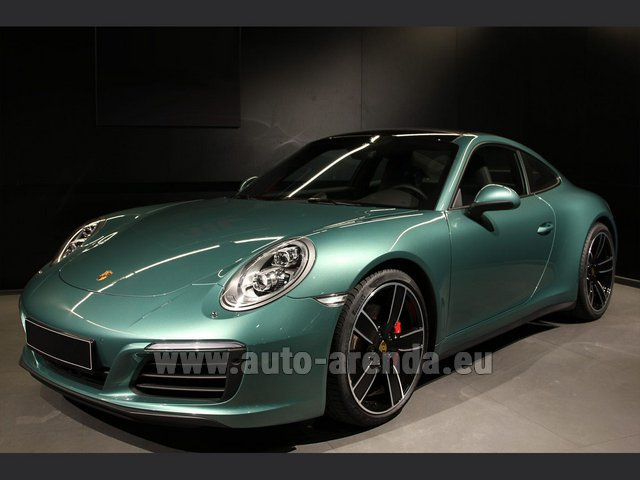Hire and delivery to Vienna International Airport the car Porsche 911 991 4S Racinggreen Individual Sport Chrono