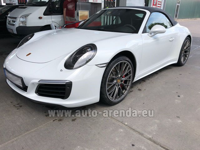 Rental Porsche 911 Carrera 4S Cabrio White in Vienna