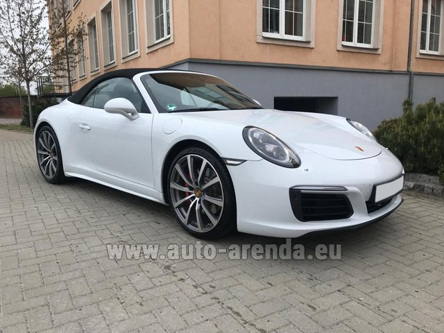 Hire and delivery to Vienna International Airport the car Porsche 911 Carrera 4S Cabrio