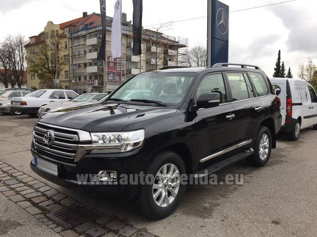 Rental Toyota Land Cruiser 200 V8 Diesel in Austria